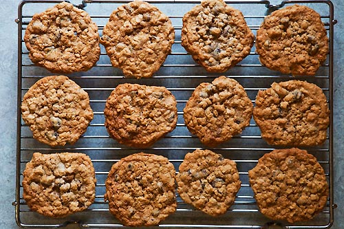 oatmeal-raisin-cookies-2