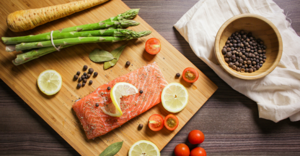 Salmon-on-cutting-board-768x402