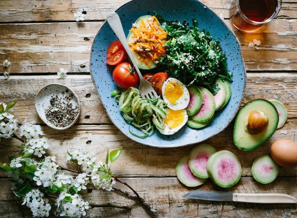 healthy-bowl-brooke-lark-unsplash